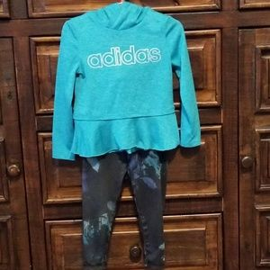 BOGO!🦄 Adidas 2-Piece Hooded Activewear, 24m